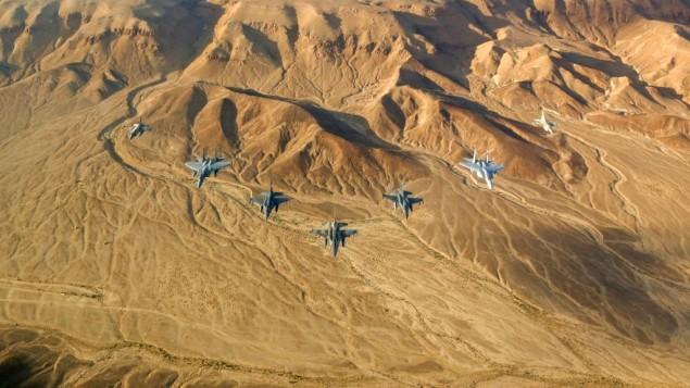 Facianın eşiğinden dönüldü : İsrail Savaş Uçakları Yolcu Uçağı İle Çarpışacaktı