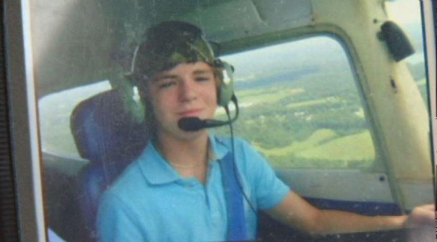 Lisanssız Gencin Uçurduğu Uçak Düştü: 3 Ölü