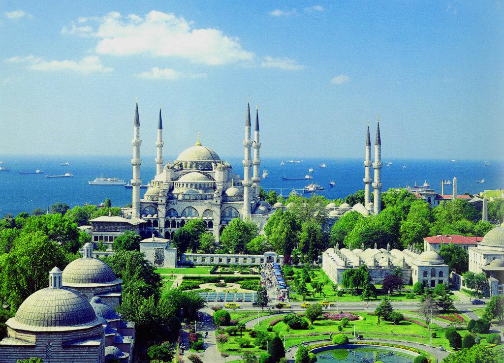 İstanbul'da Gezilecek Yerler : Sultanahmet Camii