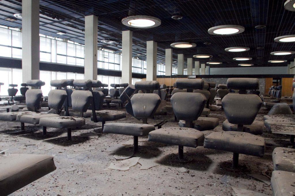 Terk edilmiş havalimanlarından objektiflere yansıyanlar