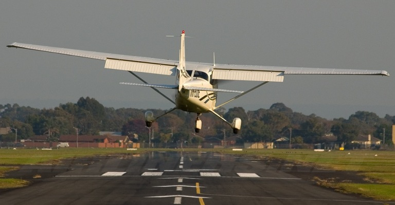 Eğitim uçaklarında yan rüzgarı inişi