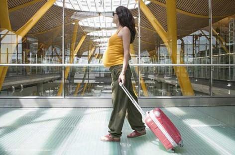 Hamilelikte uçak yolculuğu riskli mi
