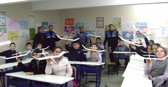 Çankırılı Öğrencilere Model Uçak Eğitimi!