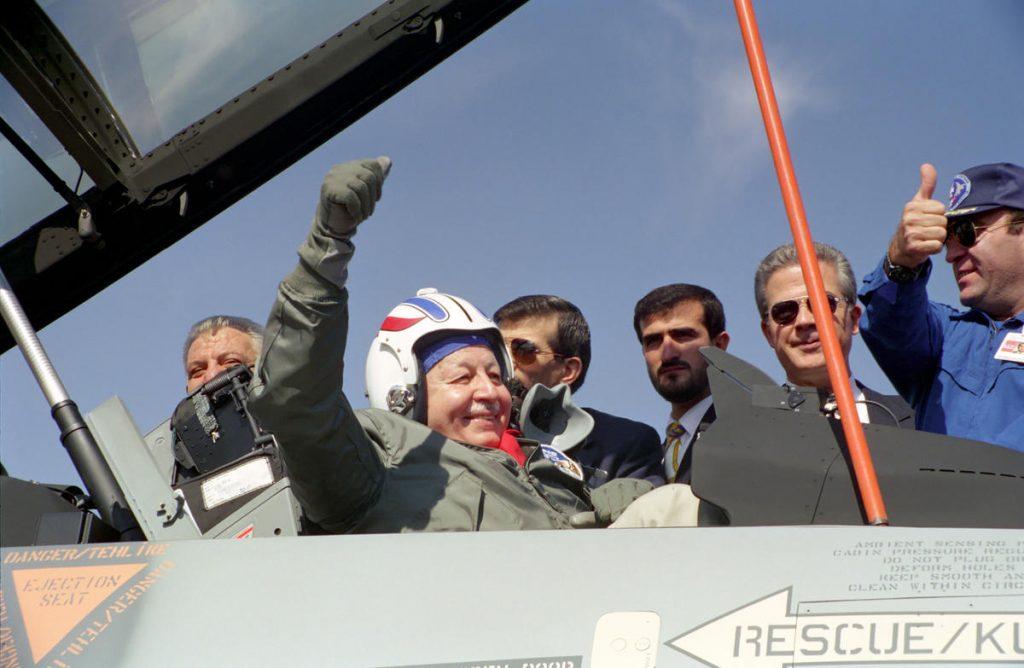 """Erbakan Hoca """"57 Yıl Önce Uçak Motoru Yapmış"""""""