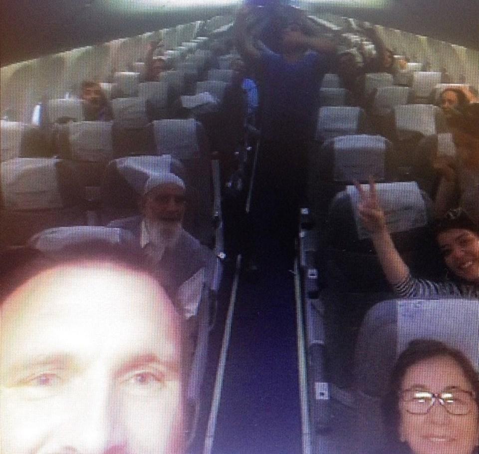 Uçak'tan İnmek İstemediler!