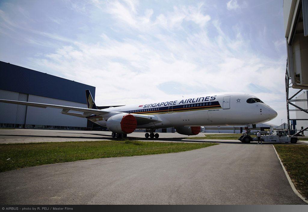 İlk A350 900 Boyandı